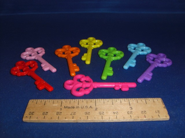 Antique Acrylic Keys (ea)